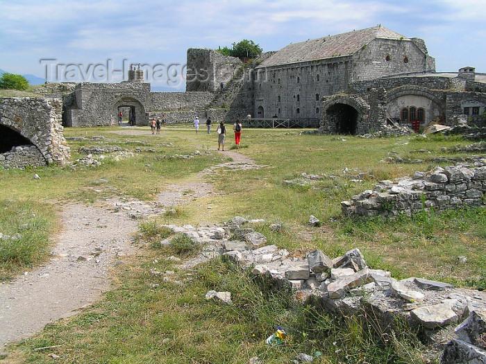 albania49: Albania / Shqiperia - Shkodër/ Shkoder / Shkodra: ruins in the Rozafa fortress - photo by J.Kaman - (c) Travel-Images.com - Stock Photography agency - Image Bank