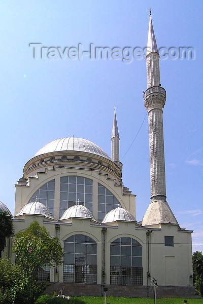 albania57: Albania / Shqiperia - Shkodër/ Shkoder / Shkodra: Sheik Zamil Abdullah Al-Zamil Mosque - photo by J.Kaman - (c) Travel-Images.com - Stock Photography agency - Image Bank