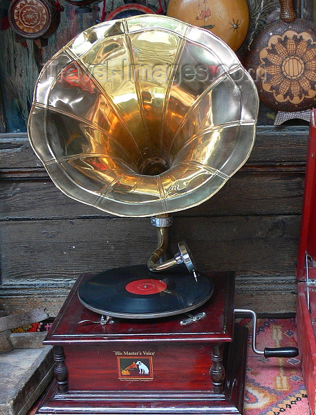 albania91: Kruje, Durres County, Albania: 'His Master's Voice' dog and gramophone - vintage phonograph - photo by J.Kaman - (c) Travel-Images.com - Stock Photography agency - Image Bank