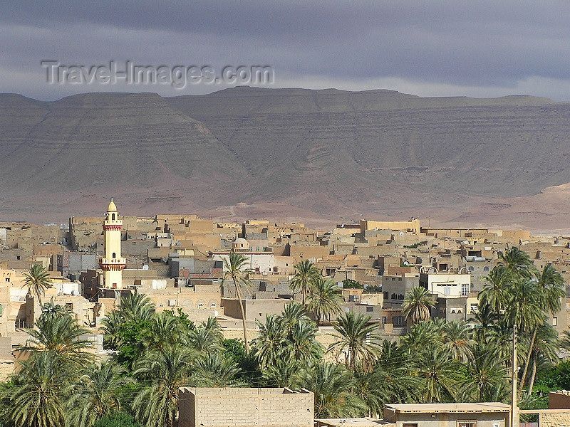algeria107: Algeria / Algerie - Bou Saada: view over the Oasis of Happiness - photo by J.Kaman - vue de l'oasis du bonheur - (c) Travel-Images.com - Stock Photography agency - Image Bank