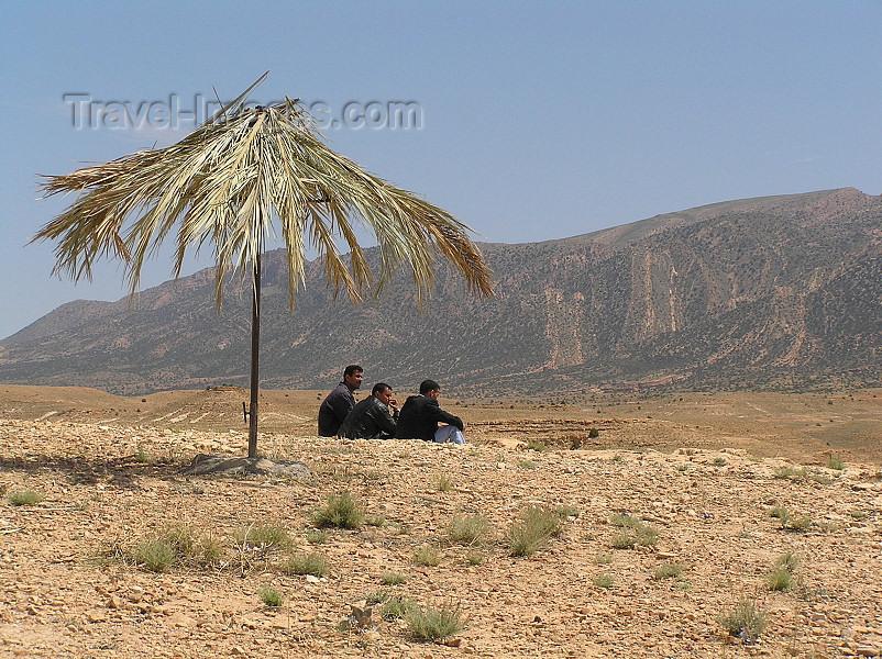 algeria135: Algeria / Algerie - Gorges de Tighanimine - El Abiod - Batna wilaya -  Massif des Aurès: beach life? - photo by J.Kaman - la vie de plage? - (c) Travel-Images.com - Stock Photography agency - Image Bank
