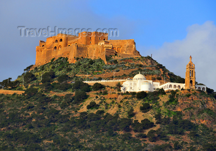 algeria187: Oran, Algeria / Algérie: Djebel Murdjadjo mountain, Santa Cruz fortress and Our Lady of Santa Cruz Basilica - photo by M.Torres | montagne Djebel Murdjadjo, la forteresse de Santa Cruz et la Basilique de Notre Dame de Santa Cruz