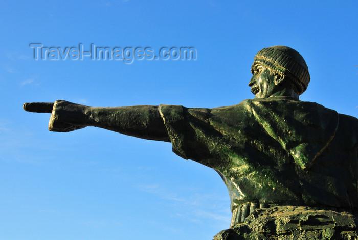 algeria269: Algeria / Algérie - Béjaïa / Bougie / Bgayet - Kabylie: statue of Colonel Amirouche, revolutionary fighter, organizer of the maquis in Kabylie, nicknamed the Soummam Tiger | Moujahdin - statue du Colonel Amirouche Aït Hamouda, surnomé 'Tigre de la Soummam' - photo by M.Torres - (c) Travel-Images.com - Stock Photography agency - Image Bank