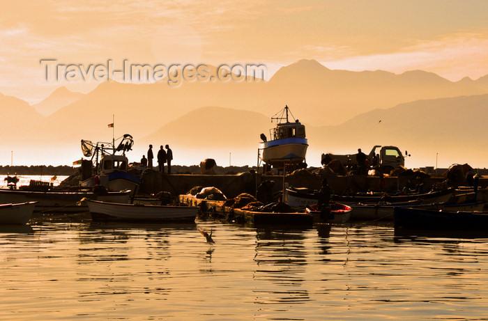 algeria295: Algeria / Algérie - Béjaïa / Bougie / Bgayet - Kabylie: fishing harbour with the Babor mountains in the background | port de pêche - au fond la chaîne montagneuse des Babor - photo by M.Torres - (c) Travel-Images.com - Stock Photography agency - Image Bank