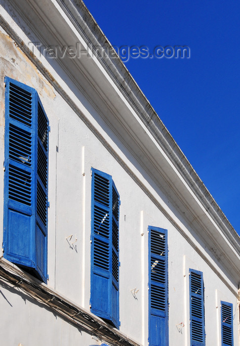 algeria321: Algeria / Algérie - Béjaïa / Bougie / Bgayet - Kabylie: Rue du Vieillard - windows with blue jalousies | Rue du Vieillard - fenêtres bleus en jalousie - photo by M.Torres - (c) Travel-Images.com - Stock Photography agency - Image Bank