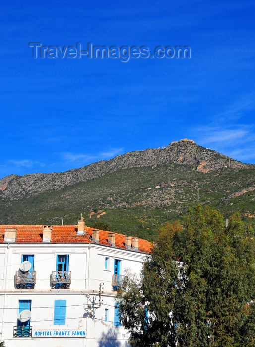 algeria328: Algeria / Algérie - Béjaïa / Bougie / Bgayet - Kabylie: Frantz Fanon hospital, Yemma Gouraya mountain and its fort | Hôpital Frantz Fanon, la montagne Gouraya et son fort - photo by M.Torres - (c) Travel-Images.com - Stock Photography agency - Image Bank