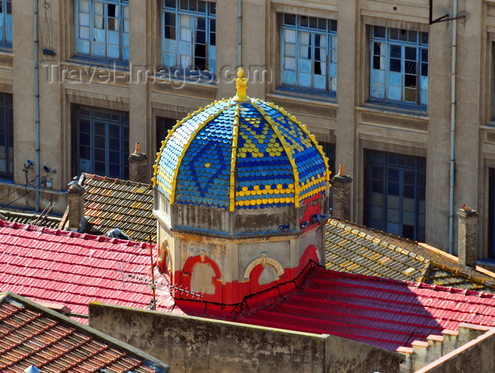 algeria337: Algeria / Algérie - Béjaïa / Bougie / Bgayet - Kabylie: dome of the synagogue, red roofs and Lycée Ibn Sina | dôme de la synagogue, toits rouges et Lycée Ibn Sina - photo by M.Torres - (c) Travel-Images.com - Stock Photography agency - Image Bank