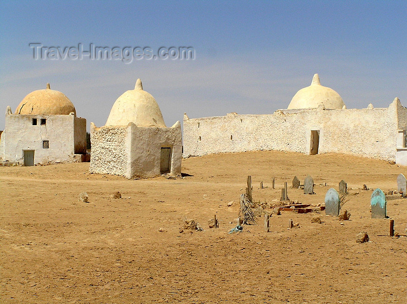 algeria39: Algeria / Algerie - Touggourt - Wilaya de Ouargla: tombs of the Constantine kings - photo by J.Kaman -  tombeaux des rois constantins - (c) Travel-Images.com - Stock Photography agency - Image Bank