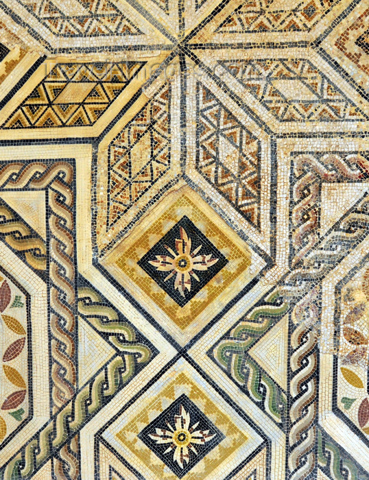 algeria426: Cherchell - Tipasa wilaya, Algeria / Algérie: museum - mosaic displaying geometrical motives | musée - mosaïque affichant motifs géométriques - photo by M.Torres - (c) Travel-Images.com - Stock Photography agency - Image Bank