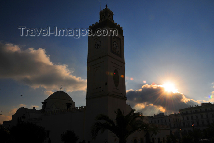 algeria514: Algiers / Alger - Algeria / Algérie: El Jedid mosque - Martyrs square - silhouette | Mosquée El Jedid - silhouette - Place des Martyrs - photo by M.Torres - (c) Travel-Images.com - Stock Photography agency - Image Bank