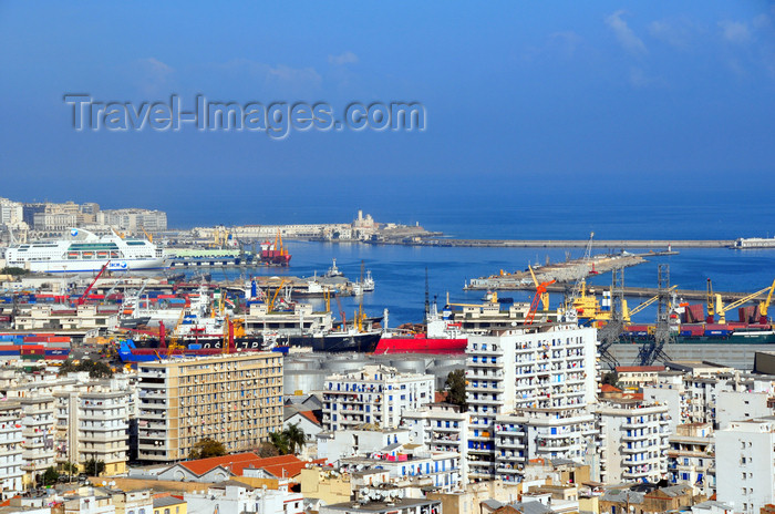 algeria519: Algiers / Alger - Algeria / Algérie: southern part of the city and the port - panorama | partie sud de la ville et le port - vue panoramique - photo by M.Torres - (c) Travel-Images.com - Stock Photography agency - Image Bank