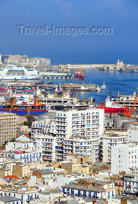 algeria521: Algiers / Alger - Algeria / Algérie: apartment blocks of the southern part of the city and the port | partie sud de la ville et le port - photo by M.Torres - (c) Travel-Images.com - Stock Photography agency - Image Bank
