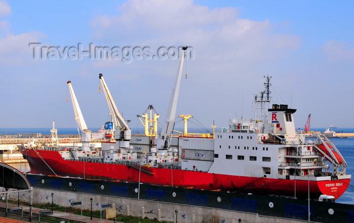 algeria541: Algiers / Alger - Algeria / Algérie: reefer vessel Pierre Doux in the port, Auray dock, near the train station - call sign C6NP6 | navire frigorifique Pierre Doux - port - Quai d'Auray - photo by M.Torres - (c) Travel-Images.com - Stock Photography agency - Image Bank