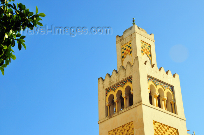 algeria617: Algiers / Alger - Algeria / Algérie: minaret-like tower of the building of 'La Dépêche Algérienne' - architect Henri Petit - Bd Khemisti | tour en forme de minaret de l'immeuble de 'La Dépêche Algérienne' - architecte Henri Petit - Bd Khemisti - photo by M.Torres - (c) Travel-Images.com - Stock Photography agency - Image Bank