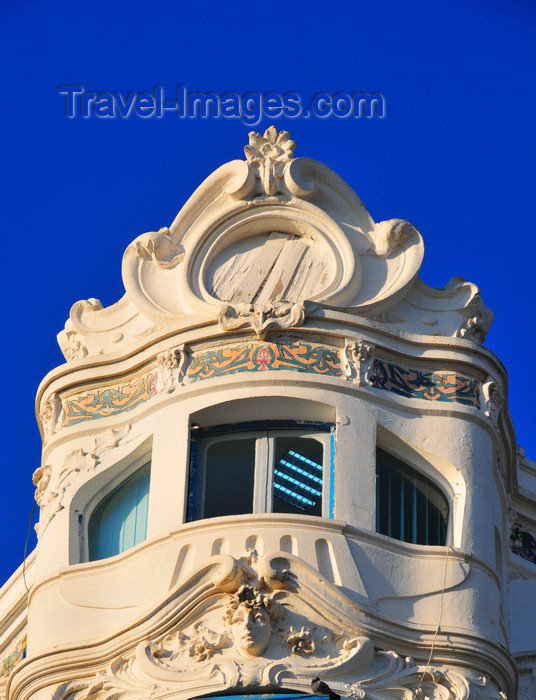 algeria628: Algiers / Alger - Algeria / Algérie: elegant art deco architecture of the former Grand Hôtel Excelsior - El Khattabi st. | architecture art déco de l'ex-Grand Hôtel Excelsior - rue El Khattabi, ex-rue Charles-Péguy, Place du Forum - photo by M.Torres - (c) Travel-Images.com - Stock Photography agency - Image Bank