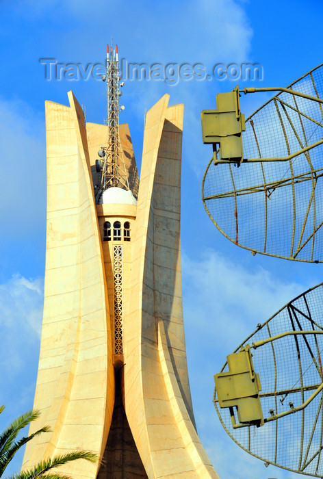 algeria654: Algiers / Alger - Algeria / Algérie: Monument of the Martyrs of the Algerian War and radar antennas | Monument des martyrs de la guerre d'Algérie et antennes radar - photo by M.Torres - (c) Travel-Images.com - Stock Photography agency - Image Bank