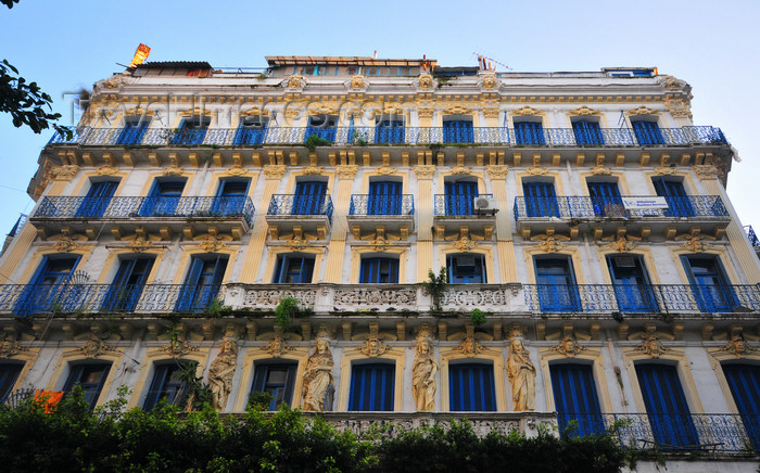 algeria662: Algiers / Alger - Algeria / Algérie: beautiful colonial building - Ali Boumendjel street | beau bâtiment colonial - Rue Ali Boumendjel, ex-rue Dumont d'Urville - photo by M.Torres - (c) Travel-Images.com - Stock Photography agency - Image Bank