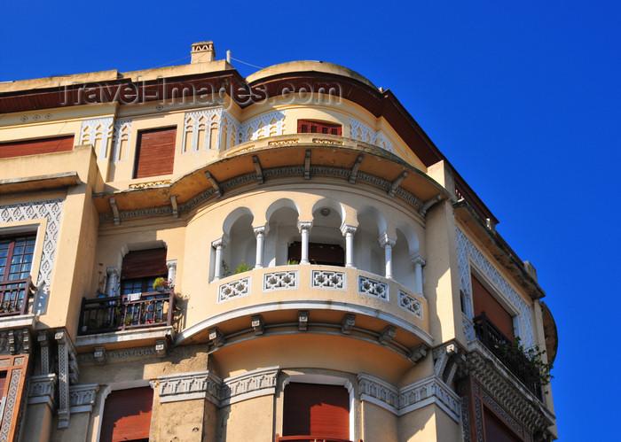 algeria686: Algiers / Alger - Algeria / Algérie: balcony on N.Mennani street | balcon - Rue N.Mennani, quartier Krim Belkacem, ex-Telemly - photo by M.Torres - (c) Travel-Images.com - Stock Photography agency - Image Bank