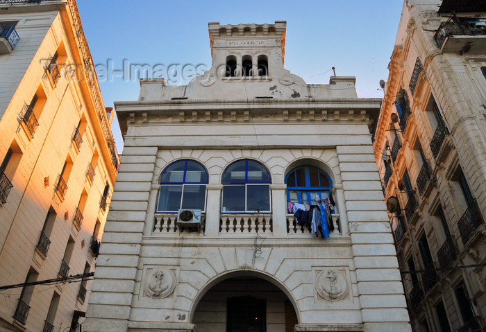 algeria720: Algiers / Alger - Algeria / Algérie: old harbour pilots house, converted to apartments - Amara Mohamed av. - Bab El Oued | station de pilotage - avenue Amara Mohamed - Bab-el-Oued - photo by M.Torres - (c) Travel-Images.com - Stock Photography agency - Image Bank