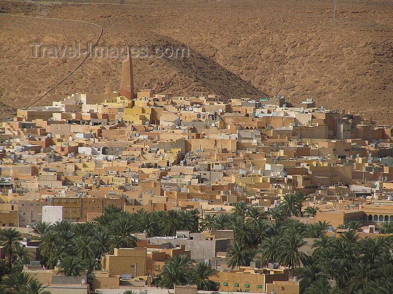 algeria73: Algeria / Algerie - M'zab - Ghardaïa wilaya: skyline of Ghardaia / Tagherdayt - photo by J.Kaman - horizon de Ghardaia / Tagherdayt - (c) Travel-Images.com - Stock Photography agency - Image Bank
