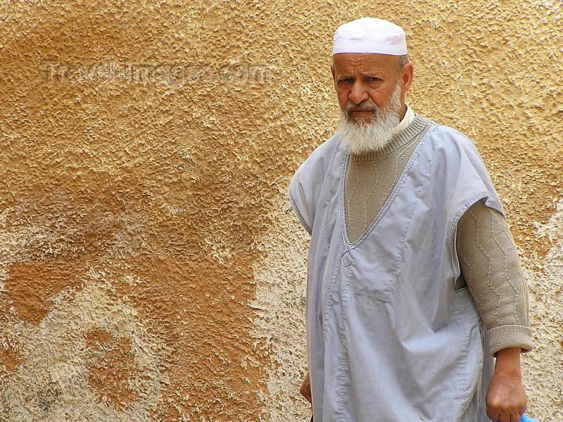 algeria78: Algeria / Algerie - M'zab - Ghardaïa wilaya: bearded man - Ghardaia - photo by J.Kaman - homme barbu - (c) Travel-Images.com - Stock Photography agency - Image Bank