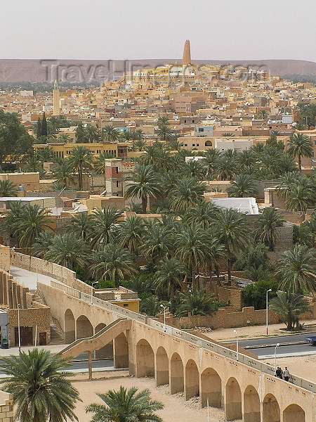 algeria85: Algeria / Algerie - M'zab - Ghardaïa wilaya: Ghardaia - aqueduct - photo by J.Kaman - aqueduc - (c) Travel-Images.com - Stock Photography agency - Image Bank
