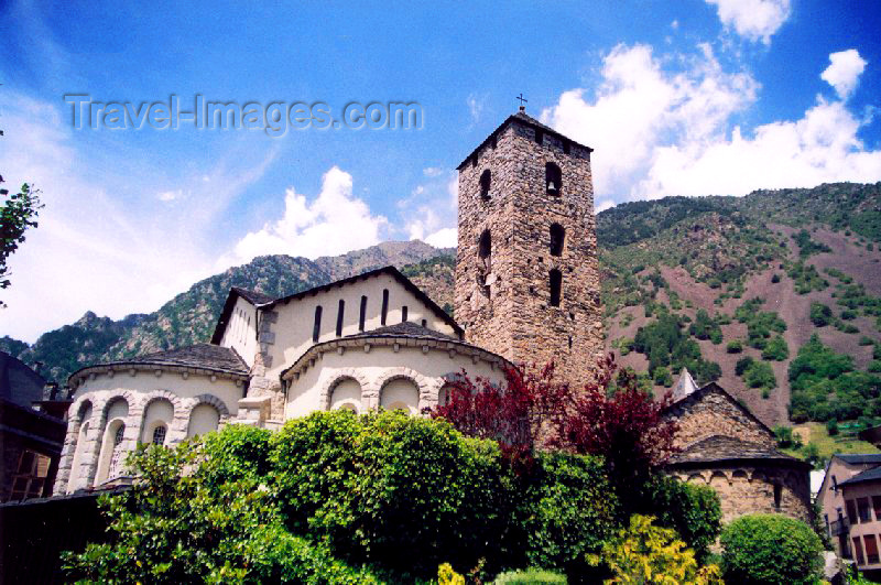 andorra15: Andorra la Vella: St Esteve Church / Església de St. Esteve - tower and three Romanesque apses and a medieval belfry altered by architect Josep Puig i Cadafalch in 1940 - photo by M.Torres - (c) Travel-Images.com - Stock Photography agency - Image Bank