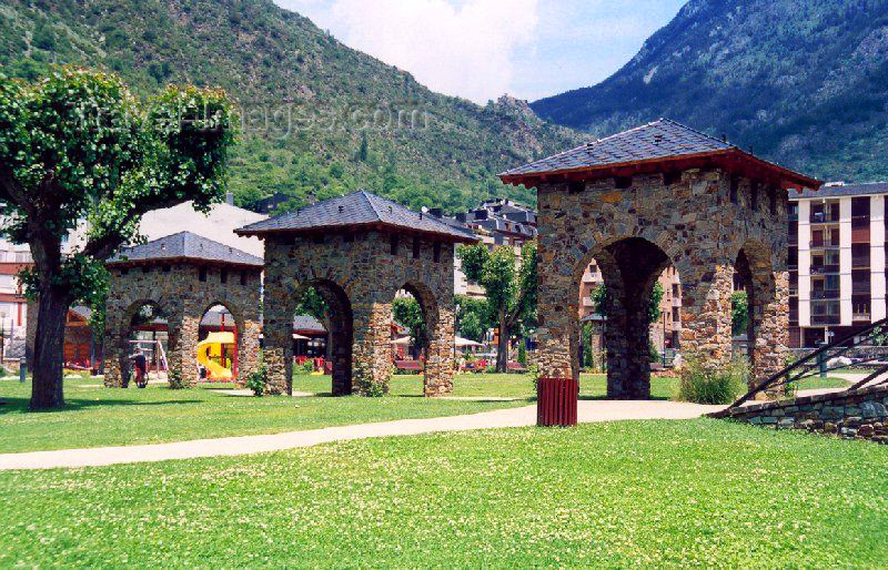 andorra24: Andorra - Encamp: perspective at Parc del Prat Gran - public park - field stone and Romanesque arches, traditional in Pyreneean architecture - photo by M.Torres - (c) Travel-Images.com - Stock Photography agency - Image Bank