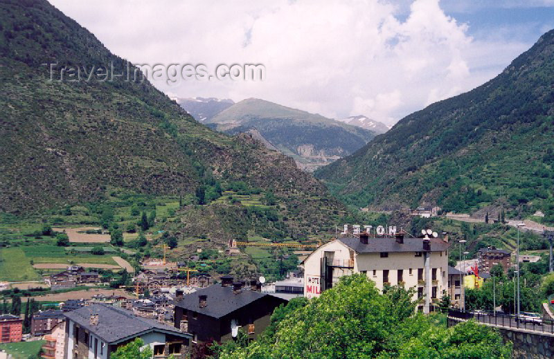 andorra25: Andorra - Encamp: from the slopes - Madriu-Claror-Perafita Valley - Unesco world heritage site (photo by M.Torres) - (c) Travel-Images.com - Stock Photography agency - Image Bank