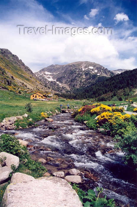 andorra4: Andorra - Coma de Ransol: valley - stream - Pyrenees (photo by M.Torres) - (c) Travel-Images.com - Stock Photography agency - Image Bank