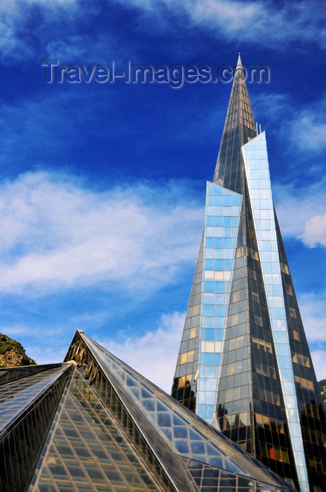 andorra43: Escaldes-Engordany, Andorra: Caldea thermal spa and wellness resort - designed by architect Jean-Michel Ruols, maybe inspired in the Transamerica Pyramid - two glass pyramids - Centre Termolúdic Caldea - photo by M.Torres - (c) Travel-Images.com - Stock Photography agency - Image Bank