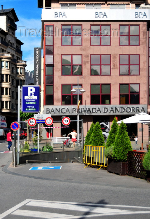 andorra49: Andorra la Vella, Andorra: BPA - Banca Privada d'Andorra - bank HQ - private banking and offshore accounts are at the core of the Pincipality's economy - Plaça Rebés - photo by M.Torres - (c) Travel-Images.com - Stock Photography agency - Image Bank