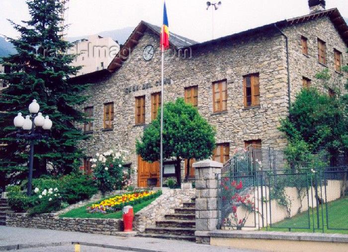 andorra5: Andorra - Santa Julia de Loria: Casa del Comu - stone façade - House of the Comune on Avinguda de Canòlich - photo by M.Torres - (c) Travel-Images.com - Stock Photography agency - Image Bank