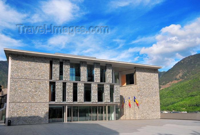 andorra57: Andorra la Vella, Andorra: new building of the General Council of Andorra - western façade - architects Ramon Artigues, Ramon Sanabria y Pere Espuga - Consell General d'Andorra - Carrer de la Vall -  old town - photo by M.Torres - (c) Travel-Images.com - Stock Photography agency - Image Bank