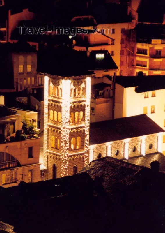 andorra8: Andorra - Escaldes-Engordany: the Church - nocturnal (photo by M.Torres) - (c) Travel-Images.com - Stock Photography agency - Image Bank
