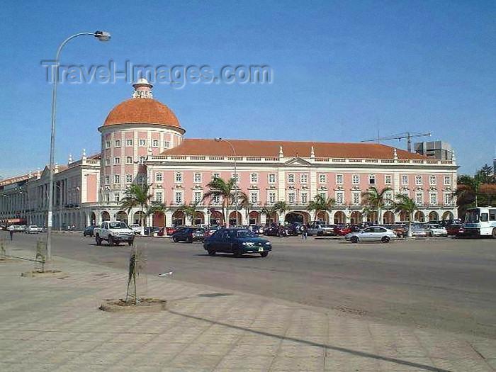 angola18: Angola - Luanda: the National Bank / Luanda: o Banco Nacional de Angola (photo by Captain Peter) - (c) Travel-Images.com - Stock Photography agency - Image Bank