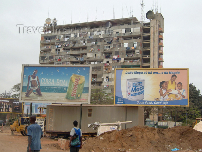 angola4: Angola - Luanda: billboards and apartment building / publicidade - Sumol e Leite Moça da Nestle - edifício residencial - photo by A.Parissis - (c) Travel-Images.com - Stock Photography agency - Image Bank