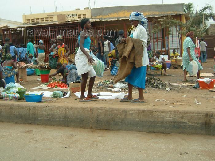 angola6: Angola - Luanda: street market / mercado de rua - photo by A.Parissis - (c) Travel-Images.com - Stock Photography agency - Image Bank
