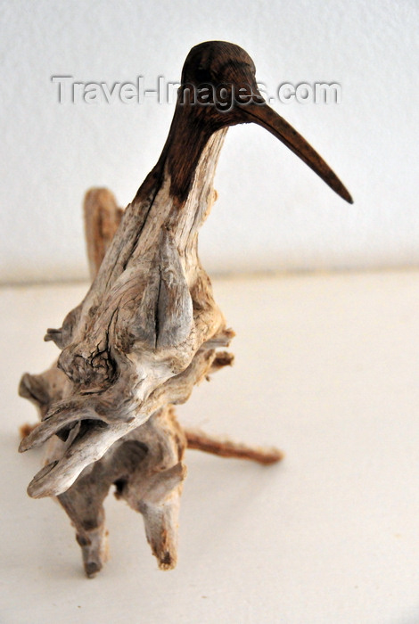 anguilla3: The Cove, Anguilla : bird - driftwood art - Cheddie Richardson gallery - Albert Hughes Drive - photo by M.Torres - (c) Travel-Images.com - Stock Photography agency - Image Bank