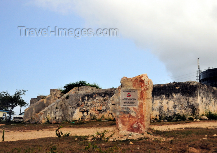 anguilla32: The Valley, Anguilla: ruins of the Old Court House and jail, torn apart by Hurricane Alice in 1955 - Crocus Hill, the island's highest point - photo by M.Torres - (c) Travel-Images.com - Stock Photography agency - Image Bank