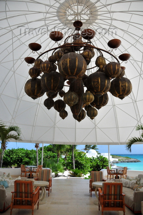 anguilla34: Maundays Bay, West End Village, Anguilla: waterfront terrace with large Moorish chandelier - Cap Juluca hotel - photo by M.Torres - (c) Travel-Images.com - Stock Photography agency - Image Bank