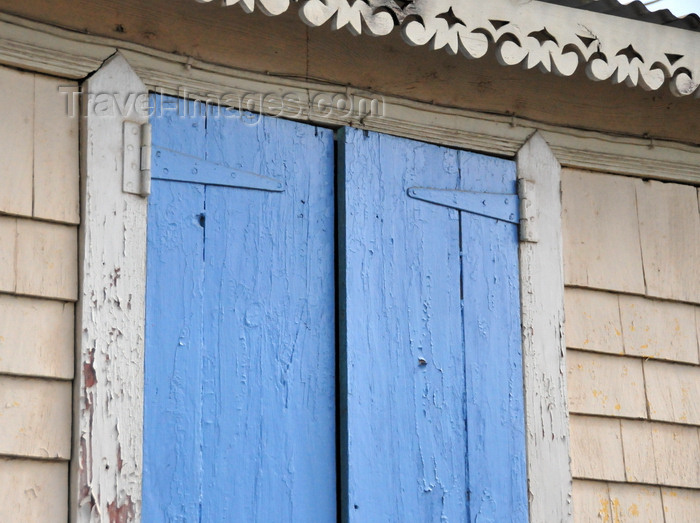 anguilla38: The Valley, Anguilla: Caribbean architecture - eaves and window - photo by M.Torres - (c) Travel-Images.com - Stock Photography agency - Image Bank