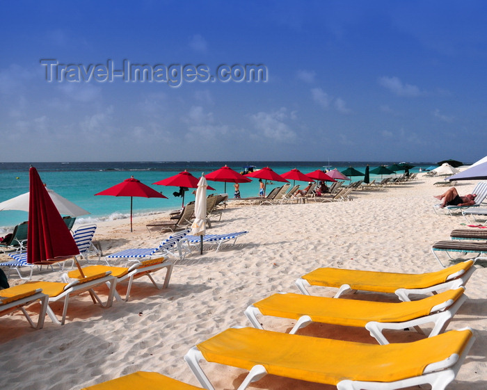 anguilla46: Shoal Bay East beach, Anguilla: beach chairs and umbrellas - photo by M.Torres - (c) Travel-Images.com - Stock Photography agency - Image Bank