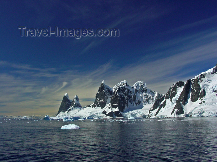 antarctica13: Antarctic peninsula - Antarctica: peaks, snow, ocean, blue sky - southern beauty - photo by M.Powell - (c) Travel-Images.com - Stock Photography agency - Image Bank
