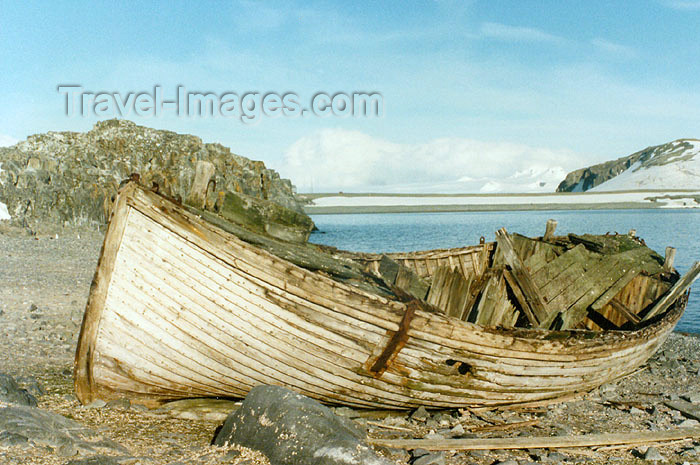 antarctica9: Trinity Island, Palmer Archipelago, Antarctica: remains of a whaling scow - photo by G.Frysinger - (c) Travel-Images.com - Stock Photography agency - Image Bank