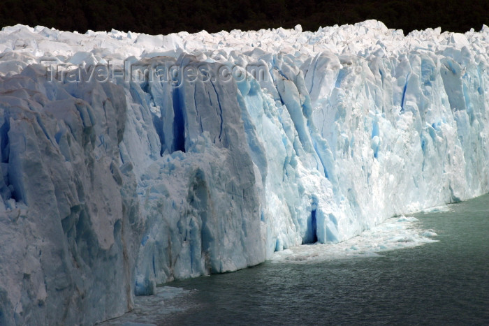 argentina128: Argentina - Los Glaciares National Park / Parque Nacional los Glaciares (Santa Cruz): Perito Moreno glacier - front on Lake Argentino - Unesco world heritage site (photo by N.Cabana) - (c) Travel-Images.com - Stock Photography agency - Image Bank