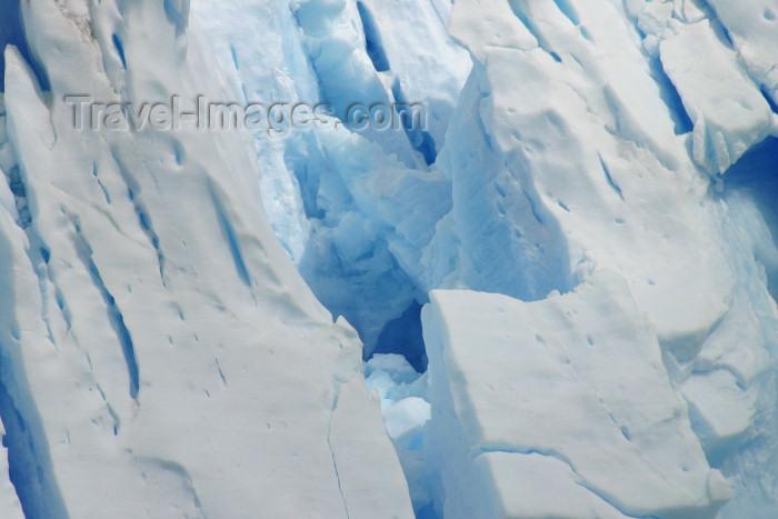 argentina129: Argentina - Los Glaciares National Park / Parque Nacional los Glaciares (Santa Cruz): Perito Moreno glacier - fractured ice - Unesco world heritage site (photo by N.Cabana) - (c) Travel-Images.com - Stock Photography agency - Image Bank