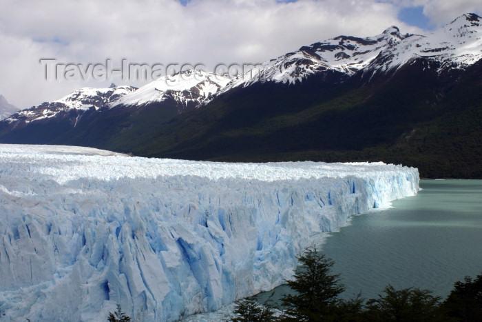 argentina130: Argentina - Los Glaciares National Park / Parque Nacional los Glaciares (Santa Cruz): Perito Moreno glacier - front on Lake Argentino - Unesco world heritage site (photo by N.Cabana) - (c) Travel-Images.com - Stock Photography agency - Image Bank