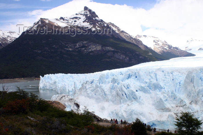argentina131: Argentina - Los Glaciares National Park / Parque Nacional los Glaciares (Santa Cruz): Perito Moreno glacier - front on Lake Argentino - Lago Argentino - Andes - Unesco world heritage site (photo by N.Cabana) - (c) Travel-Images.com - Stock Photography agency - Image Bank
