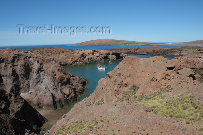 argentina160: Argentina - Caleta Horno - Bahía Gil (Chubut Province): cove - photo by C.Breschi - (c) Travel-Images.com - Stock Photography agency - Image Bank